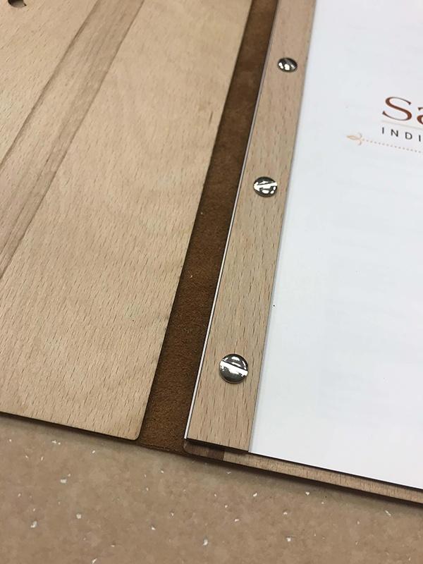 Detail práce se dřevem